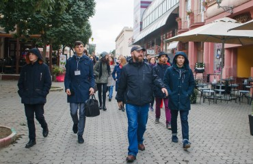 "Participants of ""Silver Easel"" get acquainted with Uzhhorod and prepare for the contest. Video on the ""M-studio"" TV channel"