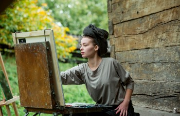 "To paint yourself. The participants of ""Silver Easel"" are performing the ""Portrait"" stage. Video on ""M-Studio"" TV-Channel"