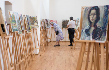 "Participants of the ""Silver Easel"" contest amaze with a large-scale exposition in Uzhhorod. Video on the ""Pershyi Kabelnyi"" TV Channel (Video)"